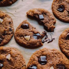 Имбирное печенье с кусочками шоколада: рецепт для веганов