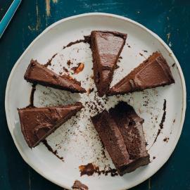 Идеальный торт «Шоколадный фадж»: рецепт для веганов